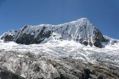 在山脉布朗卡的Nevado Pisco在秘鲁 图库摄影