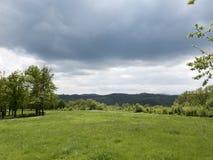 在山草甸的云彩 库存照片