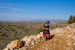 在山蛇纹石的骑自行车者骑马在土耳其 免版税图库摄影