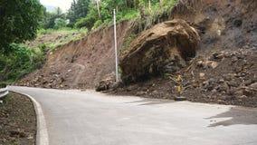 在山路的山崩 Camiguin海岛菲律宾 免版税库存照片