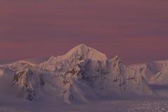 在山连的沙克尔顿峰顶在南极Peninsu的 免版税库存图片