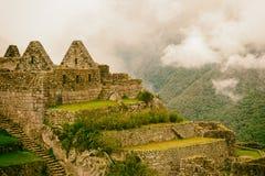 在山顶部的失去的印加人城堡 免版税图库摄影