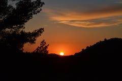 在山风景的日落 免版税库存图片