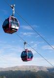 在山风景的驾空滑车 库存照片