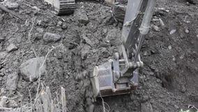 在山崩以后清除路,泥流在奥地利阿尔卑斯,萨尔茨堡 影视素材