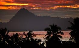在山Orohena的视图。 波里尼西亚。 塔希提岛。 免版税库存照片