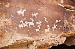 刻在岩石上的文字,曲拱国家公园,犹他 免版税库存照片