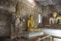 在岩石寺庙里面在Dambulla 免版税库存图片