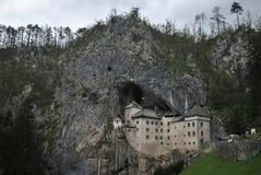 在岩石的一座城堡 免版税库存照片