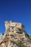 在岩石的古老城堡, mussomeli,西西里岛 免版税库存图片