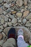 在岩石的脚 免版税库存图片