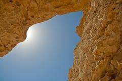 在岩石的裂缝 免版税库存照片