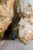 在岩石的洞 峡谷 库存图片