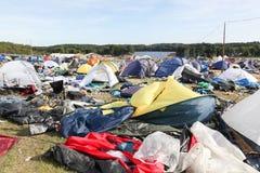在岩石节日` Smukfest `以后的领域和帐篷村庄在Skanderborg,丹麦 库存图片