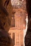 在岩石被裁减在古城Petra在约旦的财宝 库存图片