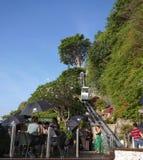 在岩石酒吧Ayana手段巴厘岛的自动扶梯 免版税库存图片