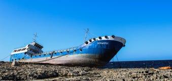 在岩石buggiba 12的搁浅的船 03 2018年 库存照片