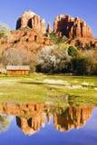 在岩石sedona附近的亚利桑那大教堂 库存照片