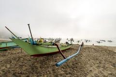 在岸的一艘停放的捕鱼船 库存图片