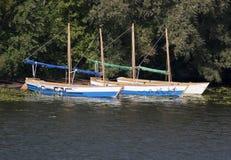 在岸的小船 库存图片