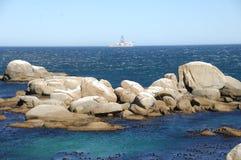 在岸的岩石 免版税库存图片