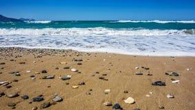 在岸的海石头 库存照片