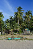 在岸的菲律宾泵浦小船 免版税库存图片