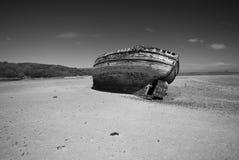 在岸Anglesey威尔士的海难 库存照片