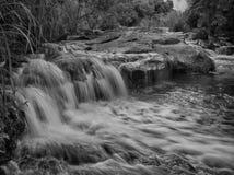 在峡谷的瀑布 库存照片