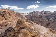 在峡谷的看法从最高的观察点在古城Petra (约旦) 库存照片