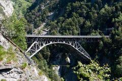在峡谷的铁路桥 库存照片