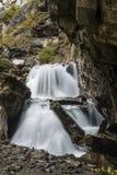 在峭壁的瀑布 图库摄影