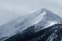 在峰顶1的剧烈的冬天风暴在落矶山Frisco,科罗拉多 免版税库存图片