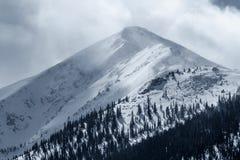 在峰顶1的剧烈的冬天风暴在落矶山Frisco,科罗拉多 免版税库存照片