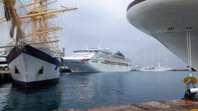 在巡航口岸的船-巴巴多斯 免版税库存图片