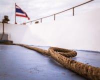 在巡航的一条长的绳索 库存图片