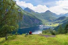 在巡航的爱梦想的夫妇在挪威 免版税库存图片