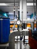 在工业内部的管道 图库摄影