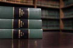 在工作歧视的法律书籍 免版税库存图片