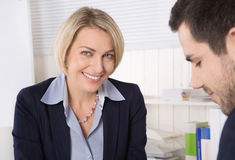 在工作面试的情况或商人在会议 免版税库存图片