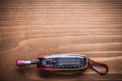 在工具箱的可替换的螺丝起子比特在木板construc 免版税库存照片