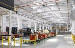 在工厂内部的行业场面 免版税库存图片