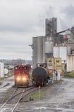 在工厂的分流器火车 免版税库存图片