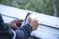 在巧妙的电话的迷离接触 免版税图库摄影