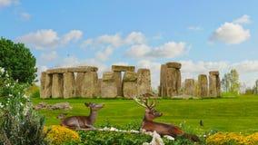 在巨石阵的鹿家庭 免版税库存照片