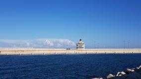 在巴伦西亚,西班牙港的游轮  免版税库存照片