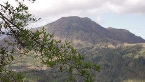 在巴厘岛,印度尼西亚一个trpoical海岛上的火山Batur  股票录像