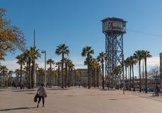 在巴塞罗那,奥林匹克口岸端起缆车塔 库存照片