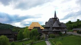 在巴尔萨纳修道院,Maramures -罗马尼亚的鸟瞰图 木教会联合国科教文组织世界遗产 影视素材