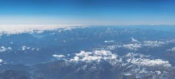 在巴法力亚阿尔卑斯的鸟瞰图 库存照片